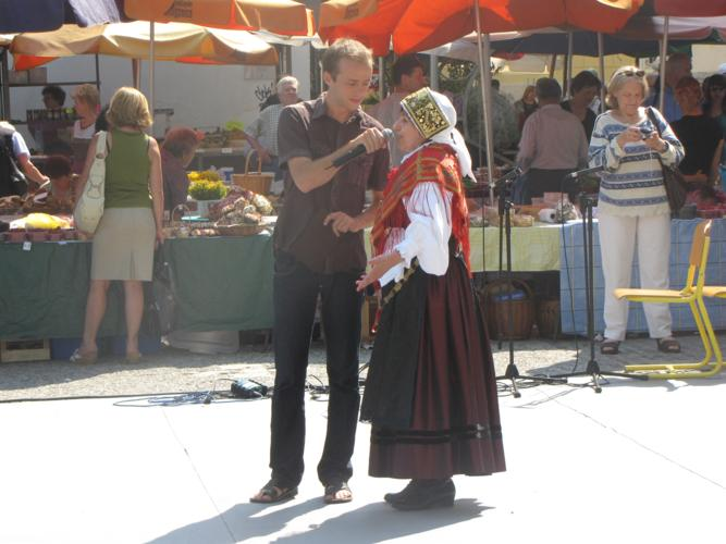 Ogledujete si slike iz kategorije: Pozdrav slovenskim izseljencem 2010