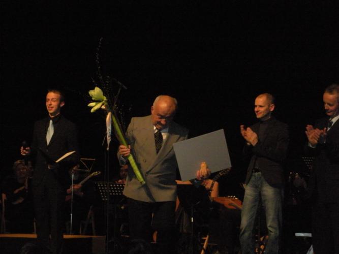 Ogledujete si slike iz kategorije: Priznanja ZKD Ljubljana 2010